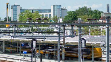 Photo of Zwolle vierde grote station met zonnepanelen op perronkappen
