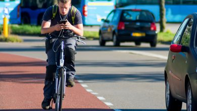 Photo of Zes fietsers op de bon voor gebruik mobiele telefoon