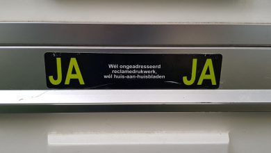 Photo of PvdA en D66 willen minder oud papier door JA / JA sticker