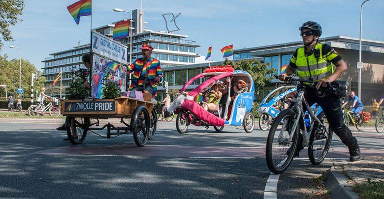 Photo of Feestelijke Zwolle Pride door binnenstad Zwolle