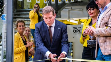Photo of Wethouder opent eerste Trendhopper City Store in centrum  Zwolle
