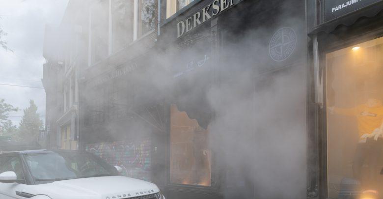 Photo of Brandweer rukt uit voor winkel vol rook Diezerstraat
