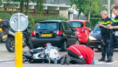 Photo of Vrouw lichtgewond na valpartij met scooter
