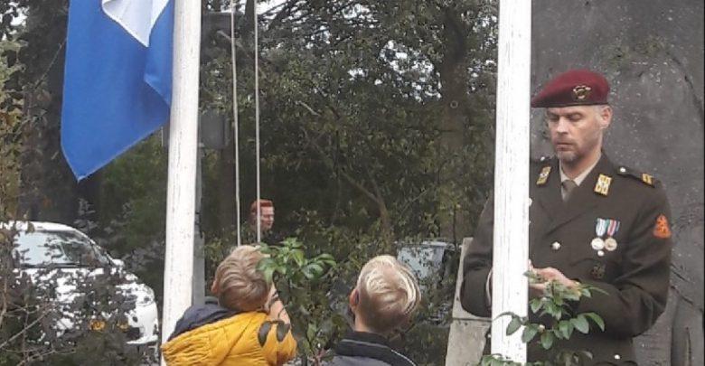 Photo of Herdenking bij oorlogsmonument Haersterveerweg