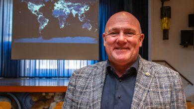 Photo of André Kuipers landt in Zwolle, tijdens de Week van de Duurzaamheid