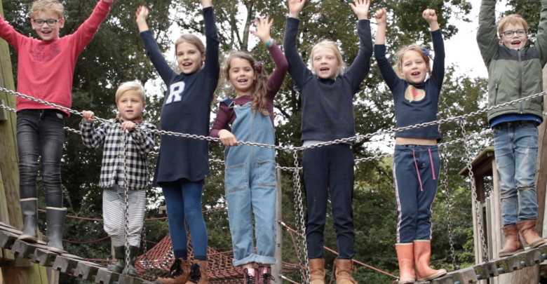 Photo of Outdoor Kids #3 Klimmen en van de tokkelbaan in Park de Wezenlanden