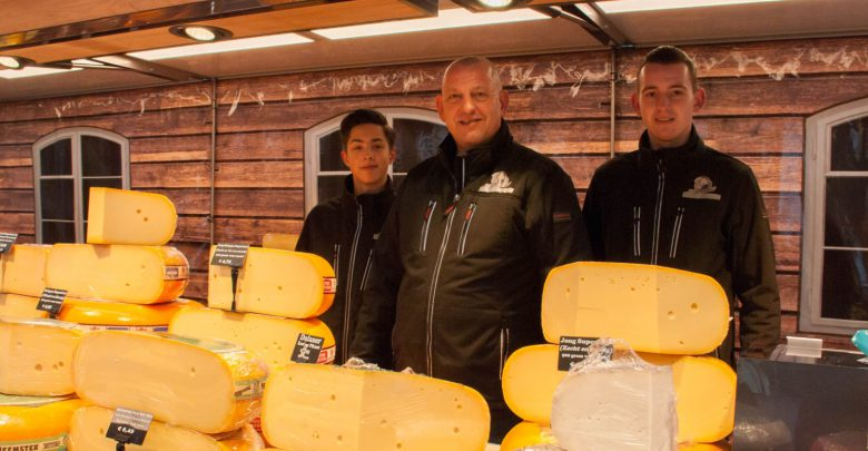 Photo of Het Hengelose kaasboertje staat al 3 generaties lang op de markt