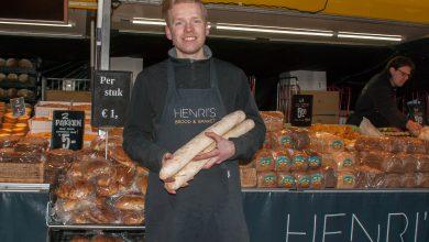 Photo of Marktkoopman Pascal Koopman praat over de broodkraam van zijn familie