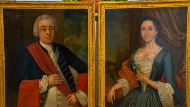 Photo of Gemeente Zwolle geeft eeuwenoude portretten terug aan familie geportretteerden