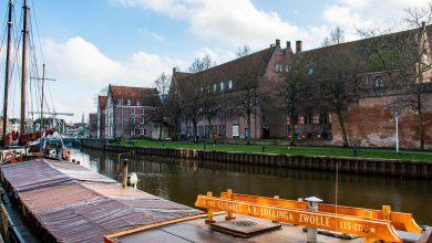 Photo of Nieuwe picknickbank aan Thorbeckegracht voor Zwollenaar en toerist