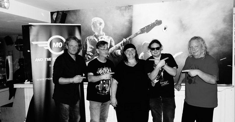 Photo of Bluesworld Café met Mo & the Stage Animals