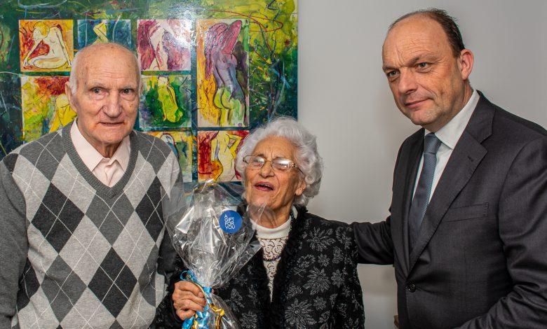 Photo of Burgemeester Snijders feliciteert Italiaans echtpaar Lopez – Dell'Erba met 65-jarig jubileum