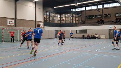 Photo of Travelbags/HV Zwolle handbalmannen maakten valse start en lieten  kansen onbenut tegen Blauw Wit