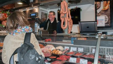 Photo of Marktslager Egbert Rijkeboer is een slager in hart en nieren
