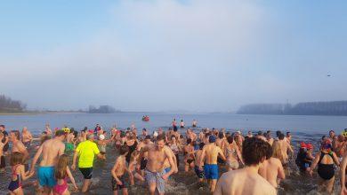 Photo of Nieuwsjaarsduik deelnemers schatten gevoelstemperatuur water in tussen de '5 en 15 graden'