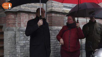 Photo of Burgemeester Snijders loopt een rondje mee in de Veerallee