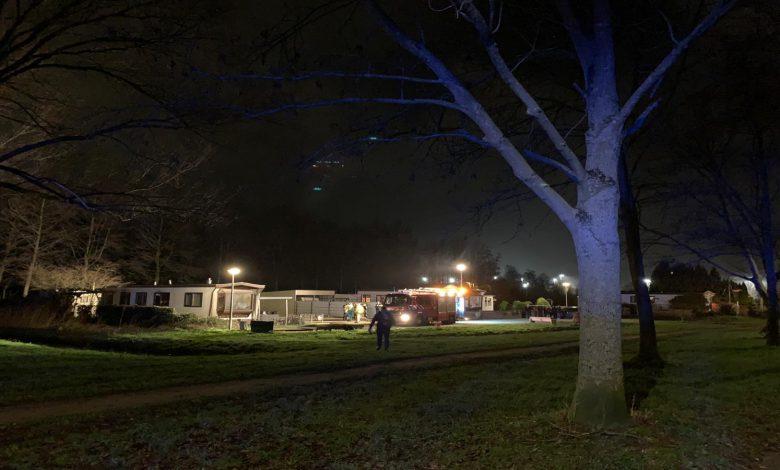 Photo of Scooter en quad in de fik; woonwagen brandt uit aan Bellinistraat
