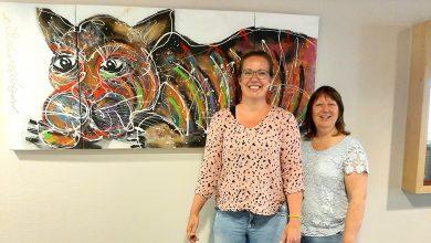 Photo of Kunstenaar schenkt schilderij aan afdeling verslavingspsychiatrie Dimence
