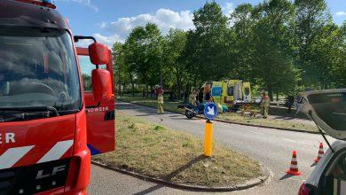 Photo of Auto schept motor op Middelweg, kruising Bachlaan