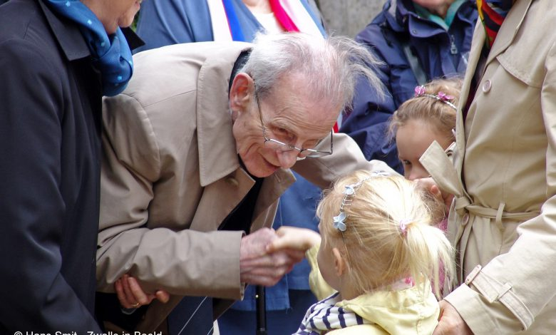 Photo of Eerste bevrijder Zwolle Leo Major krijgt eigen straat in Canada