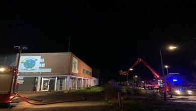 Photo of Brand bij kringloopwinkel aan de Rieteweg; bewoners geëvacueerd
