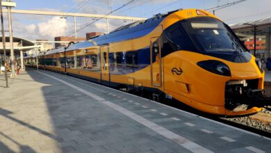 Photo of Nieuwe NS intercity de 'Wesp' via station Zwolle en Hanzeboog