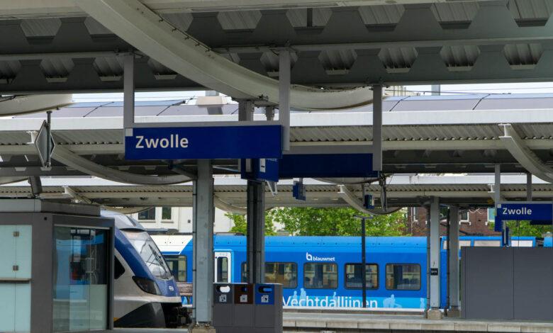 Photo of PvdA wil fysiek loket voor station Zwolle behouden