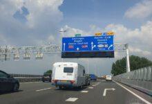 Photo of Politie zoekt getuigen die hulp verleenden bij ongeval op A28 bij Zwolle waarbij vrachtwagen was betrokken