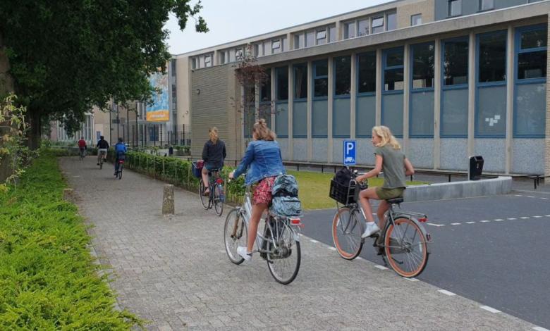 Photo of Middelbare scholen na de zomer volledig open; ook speciaal voortgezet onderwijs