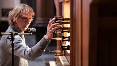 Photo of Toon Hagen bespeelt het Leeuwenbergh orgel tweemaal op de sterfdag van Bach