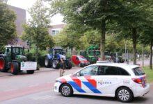 Photo of Boerenprotest rijdt na stop politiebureau binnenstad Zwolle in