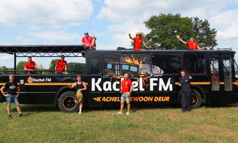 Photo of Kachel FM neemt het heft in eigen handen en gaat rondtouren