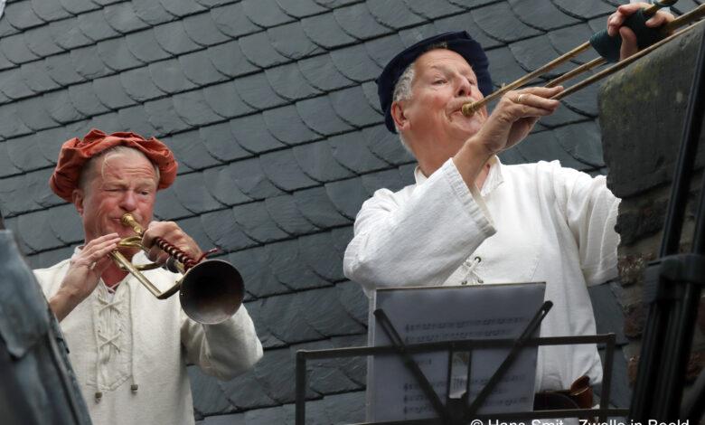 Photo of In beeld: Eerste editie St. Michaëlsdag ter ere van Zwolse stadspatroon klein-maar-fijn van start