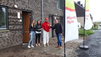 Photo of Blije huurders in Breezicht Zuid; eerste woningen opgeleverd