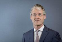 Photo of Minister en Zwollenaar Arie Slob in zelfquarantaine na waarschuwing CoronaMelder app