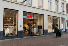 Photo of Hennes en Mauritz heropent in Diezerstraat