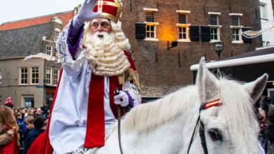 Photo of Sinterklaas op visite bij Radio Focus