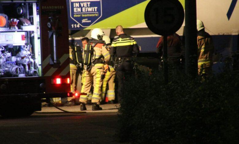 Photo of Brandweer blust brandje bij accupakket vrachtwagen