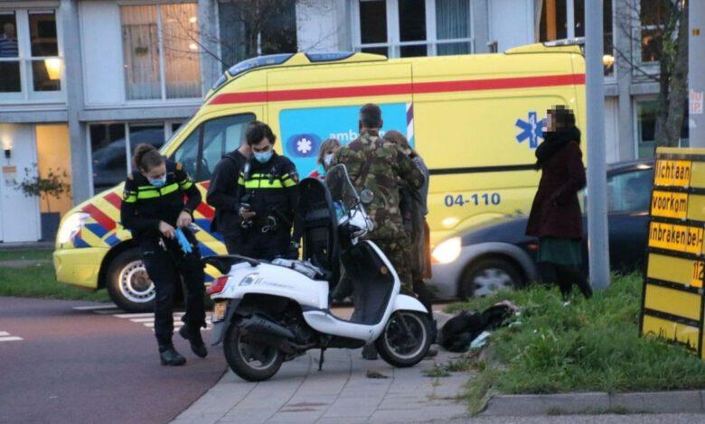 Photo of Scooterrijdster lichtgewond bij aanrijding met auto
