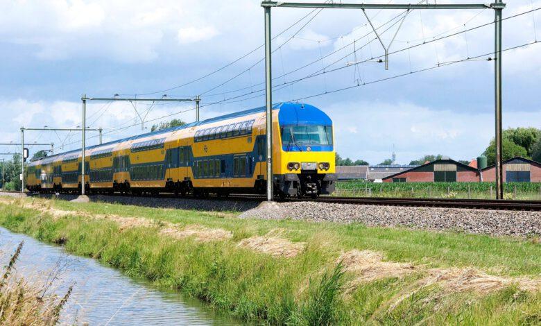 Photo of Geen treinen tussen Zwolle en 't Harde door een aanrijding.