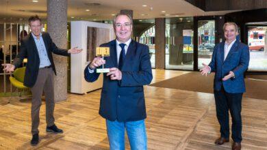 Photo of Zwolle ontvangt als eerste stad een Gouden Bakkie
