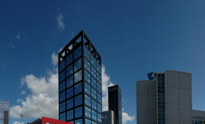 Photo of Leeuwarden verkoopt zakelijk glasvezelnet voor 1,1 miljoen aan bedrijf in Zwolle