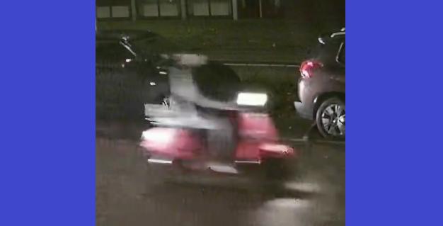 Photo of Wie herkent de scooterrijder die agent van fiets trapt
