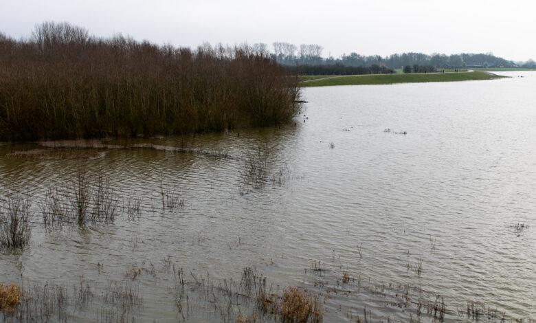 Photo of Hoogwater op IJssel stijgt verder