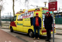 Photo of Wederom anti-abortus betogers pal voor ingang abortuskliniek
