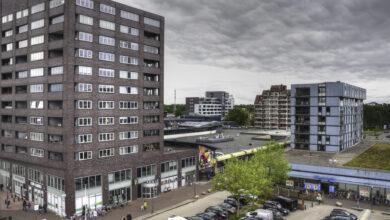 Photo of Burgemeester van Emmen test positief na bezoek burgemeester Zwolle