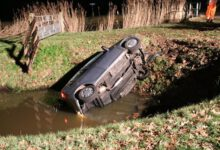 Photo of Auto belandt in sloot tussen Wijthmen en Heino