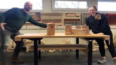Photo of Leerlingen Thomas a Kempis College in Zwolle maken thuis 300 nestkastjes tegen eikenprocessierups