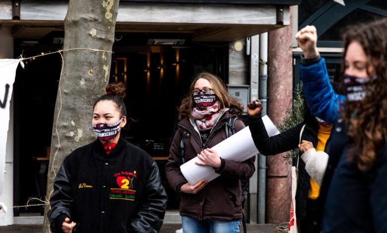 Photo of Studenten protesteren tegen het leenstelsel op Nieuwe Markt