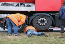 Photo of Vrachtwagen met gebroken aandrijfas oorzaak file A28